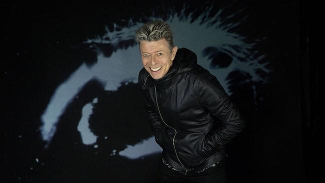 David Bowie firar 69-årsdagen med en kritikersuccé.