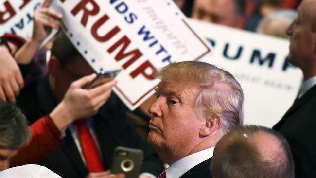 Donald Trunp tog en klar seger i det republikanska primärvalet i South Carolina.