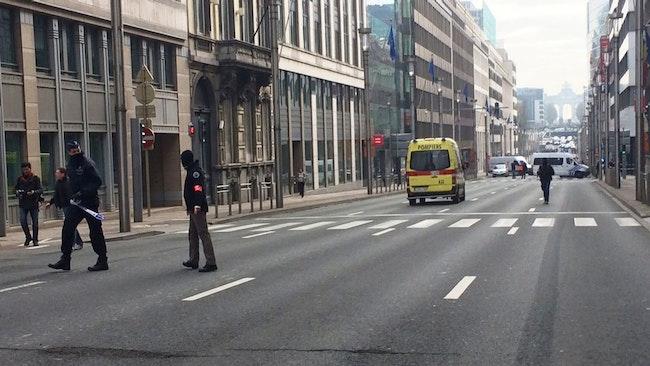 Alla tunnelbanestationer i Bryssel håller på att evakueras.