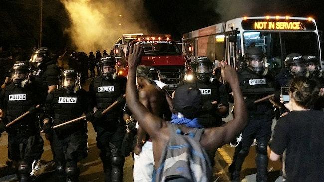 Upplopp efter dödsskjutning i staden Charlotte i USA.