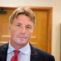 Tidigare justitieministern Thomas Bodström är starkt kritisk till regeringens invandringspolitik som gör att splittrar asylsökandes familjer.