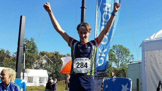 Vinnaren i 18-årsklassen blev en super glad Henrik Johannesson från Ronneby OK.