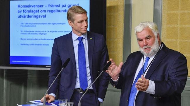 Finansmarknadsminister Per Bolund (MP) och utredaren Patric Thomsson