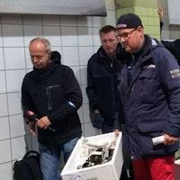 Göteborgs Fiskeauktion där säsongens första hummer säljs för 20.000 kronor.