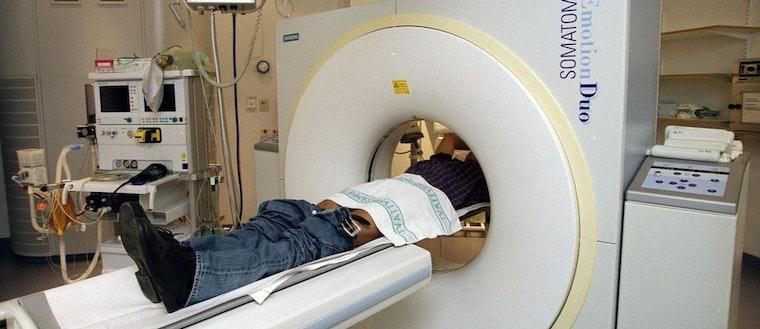 Man i röntgen.