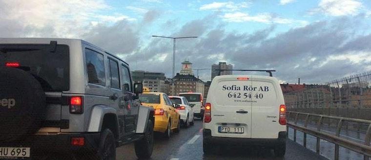 Långa köer på Skanstullsbron.