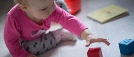 Spädbarn med bra motorik är bättre på att lösa uppgifter.