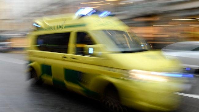 Ambulans på väg.