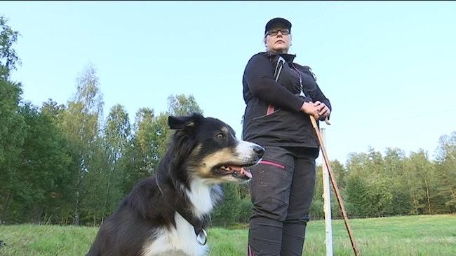 Maria Berglund och hunden Pi.