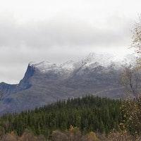 första snön har kommit i Borgafjäll.