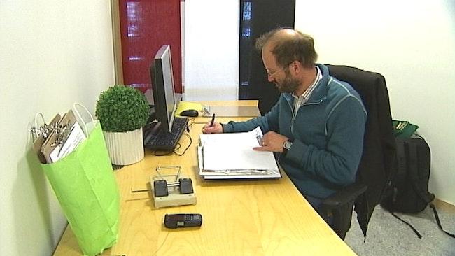 Mattias Warg Folkinitiativet rösta om Stornorrland inne på kontoret