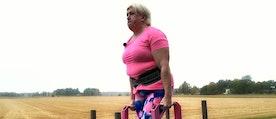 Anna Harjapää lyfte 335 kilo i ett så kallat kronlyft, ett slags benlyft där stången är något högre i utgångsläget.