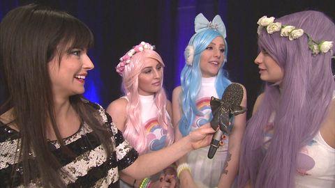 Malin minglar med Dollystyle inför Melodifestivalen
