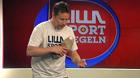 Waldner spelar pingis med sko.