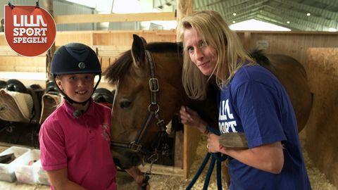 Maria med Jennifer och hästen Charlie