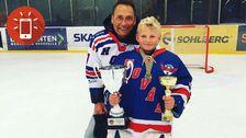 """Victor Olausson: """"Jag spelar hockey och jag är målvakt i Hovås HC. Jag är 11 år. Jag började spela hockey när jag var 6 år. Det roligaste med att spela hockey är att vara med alla kompisar och att få åka på nya cuper och träffa nya kompisar""""."""