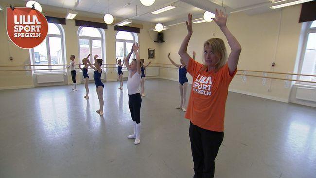 Maria Wallberg kämpar på balettlektionen.