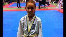 """Tina: """"Det var för två år sen på en karatetävling där jag kom trea, bronsmedalj. På bilden var jag 12 år""""."""
