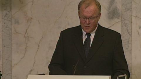 Avsnitt 8 av 400: Göran Perssons presskonferens om Anna Lindhs död