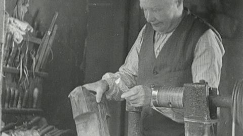 Knappmakare på Liljeholmen (utan ljud) 1935