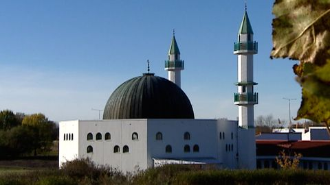 Fredagsbön från moskén i Malmö