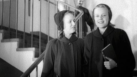 Visning av barnkläder 1952