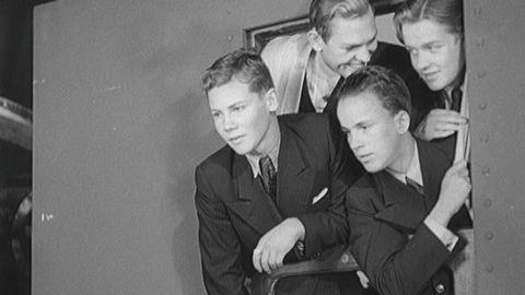 Gymnasister besöker Filmstaden 1941
