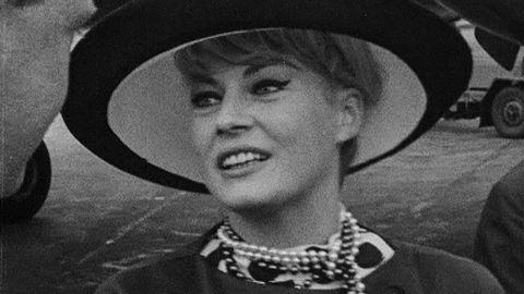 Anita Ekberg intervjuas 1964