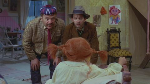 Avsnitt 5 av 13: Pippi letar spöken och får besök av tjuvar
