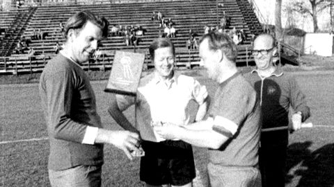 Fotbollsmatch regeringen - oppositionen