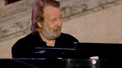 Tröstevisa av Benny Anderssons orkester