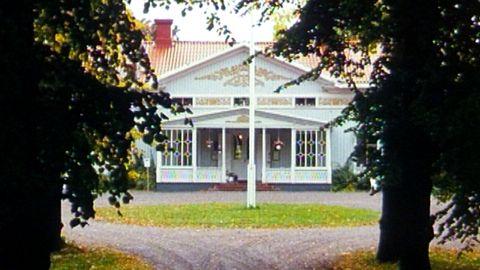 Avsnitt 3 av 6: Å, dessa märklige hus, som finnes uti svenska riket