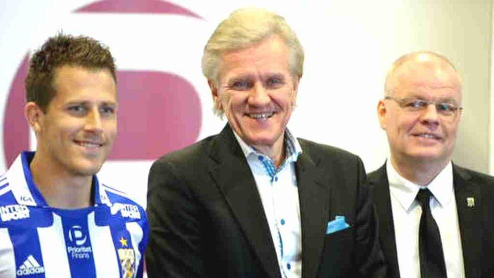 Prioritet Finans vd Nils Wiberg när avtalet med IFK Göteborg presenterades. Till vänster Blåvitt-stjärnan Tobias Hysén.