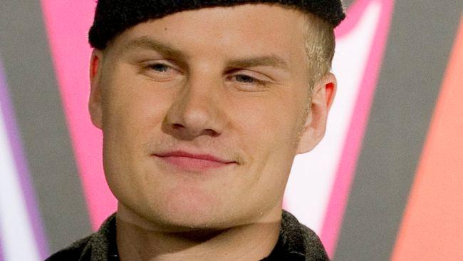 Bild på Axel Algmark, som tävlar i Melodifestivalen 2012 med bidraget Kyss mig.