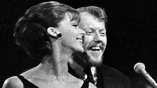 """Lill Lindfors och Svante Thuresson vann Melodifestivalen 1966, eller Svensk Sångfestival som tävlingen kallades, med bidraget """"Nygammal vals""""."""