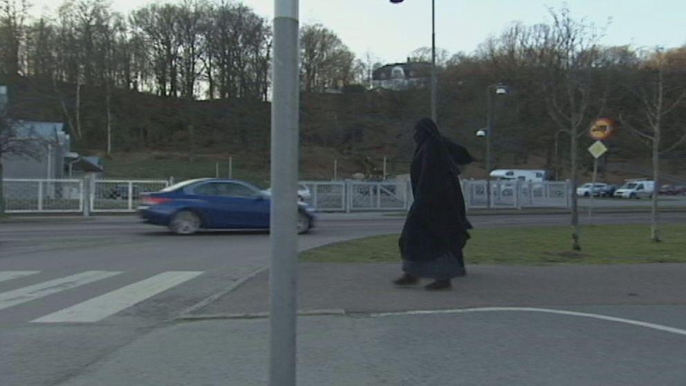 Kvinnor på väg till Moské