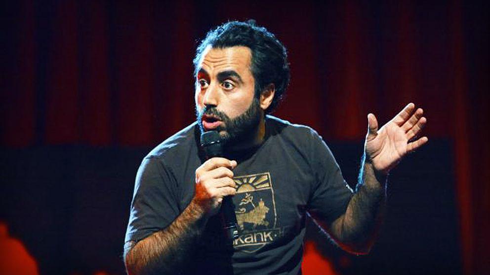 - Man kan skämta om allt, bara man gör det med finess, säger komikern Özz Nujen.