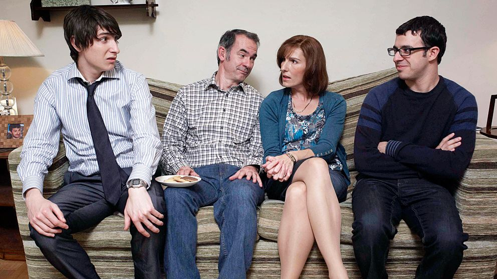 Friday Night Dinner: Jonny (Tom Rosenthal), Pappa (Paul Ritter), Mamma (Tasmin Greig) och Adam (Simon Bird).