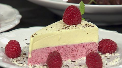 tårta vit choklad hallon