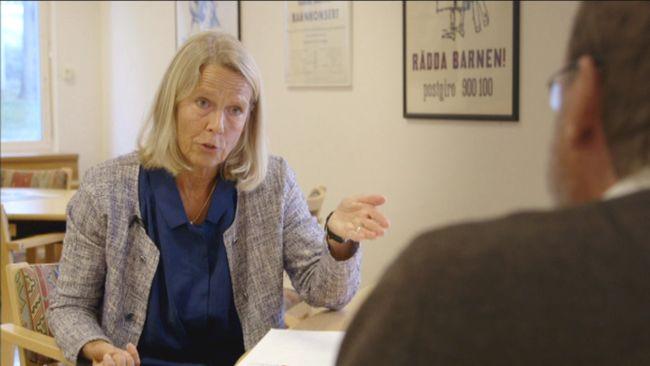 - Det ger inte en riktig bild av barnens livssituation, erkänner Rädda barnens Sverigechef, Agneta Åhlund om deras kampanj Black.