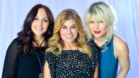 Pernilla Wahlgren, Hanna Hedlund och Jenny Silver i Swedish House Wives.