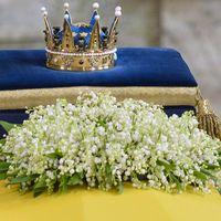 Prinsessan Lilians favorit, liljekonvaljen, låg på kistan under begravningen.