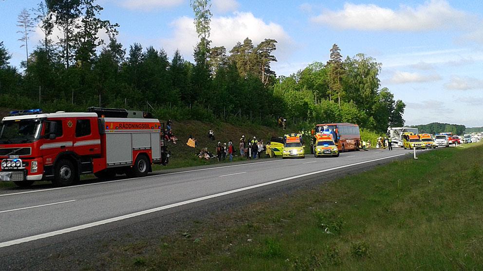 Bussar krockade med tankbil minst 70 doda