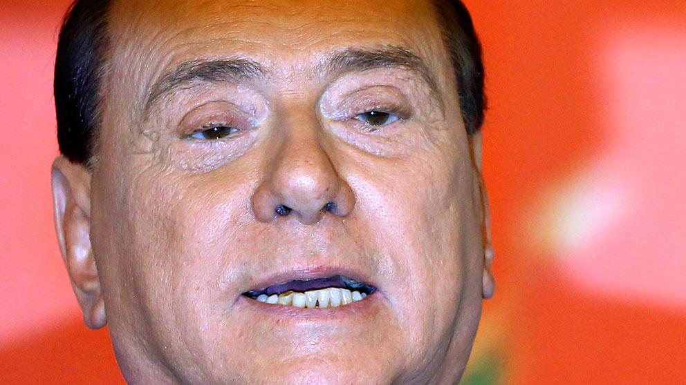 Berlusconi domd till fyra ar men slipper fangelse