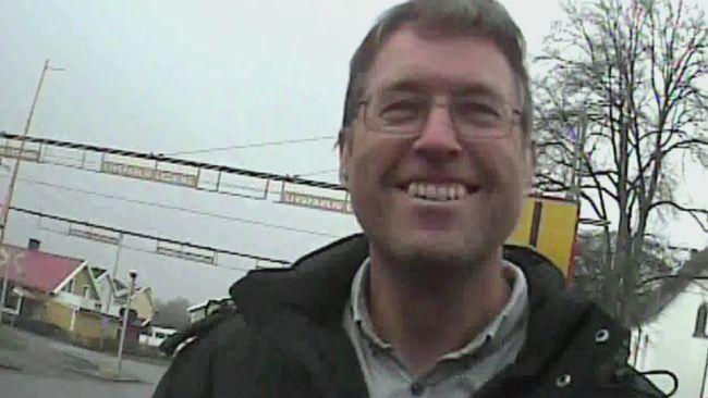 I Vara pastorat arbetar prästen Peter Artman. Han är en av de präster som bad för Uppdrag gransknings reporter.