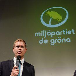 Miljöpartiets språkrör Gustav Fridolin och Åsa Romson.