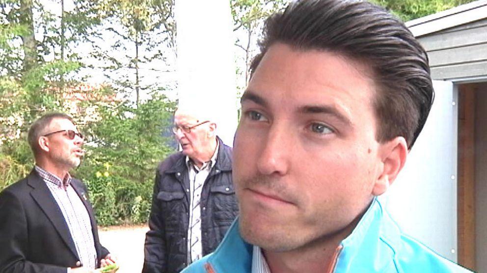 Kommunalrådet Patric Åberg (M) i Östra Göinge är kritisk till Migrationsverkets beslut.