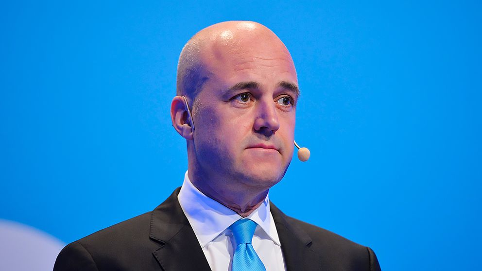 Fredrik Reinfeldt aviserade sin avgång på Moderaternas valvaka.