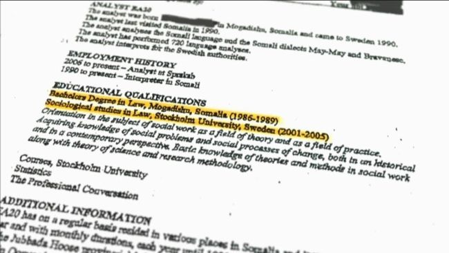 Den hemlige analytikern som kallas EA20 framhålls som Sprakabs främste expert på somaliska språket. Men Uppdrag granskning kan avslöja att han ljuger om sina egna meriter.