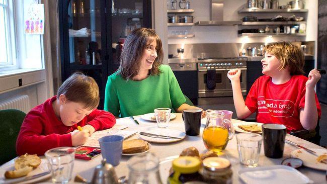 Se upp med vad du äter till frukost. Pågående forskning visar att tillsatt fruktsocker i mat och dryck kan leda till både diabetes och fetma.
